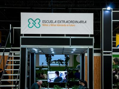 Escuela Extraordinaria Logo